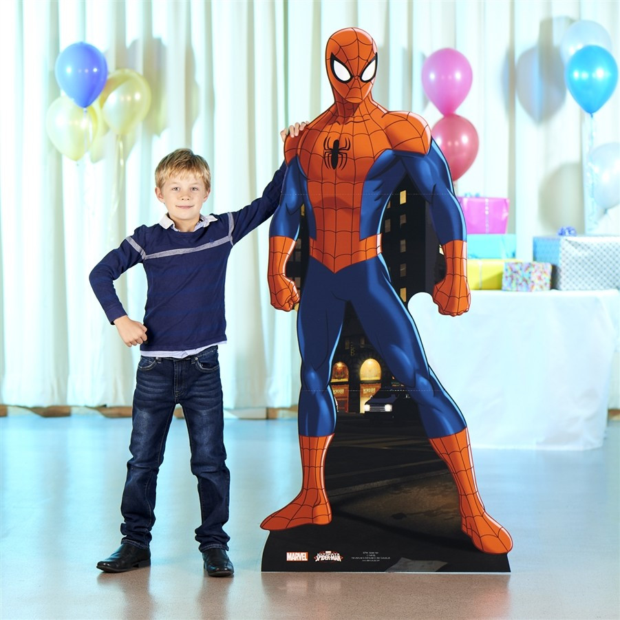 Figurine en carton Spider-man Marvel photo avec enfant